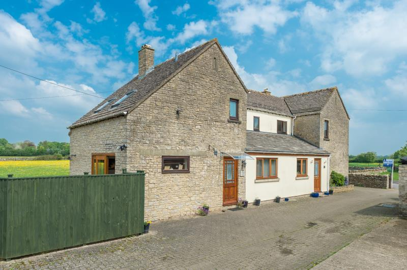3 Bedrooms Detached House for sale in Stable House, Poffley End, Hailey, Witney, Oxfordshire