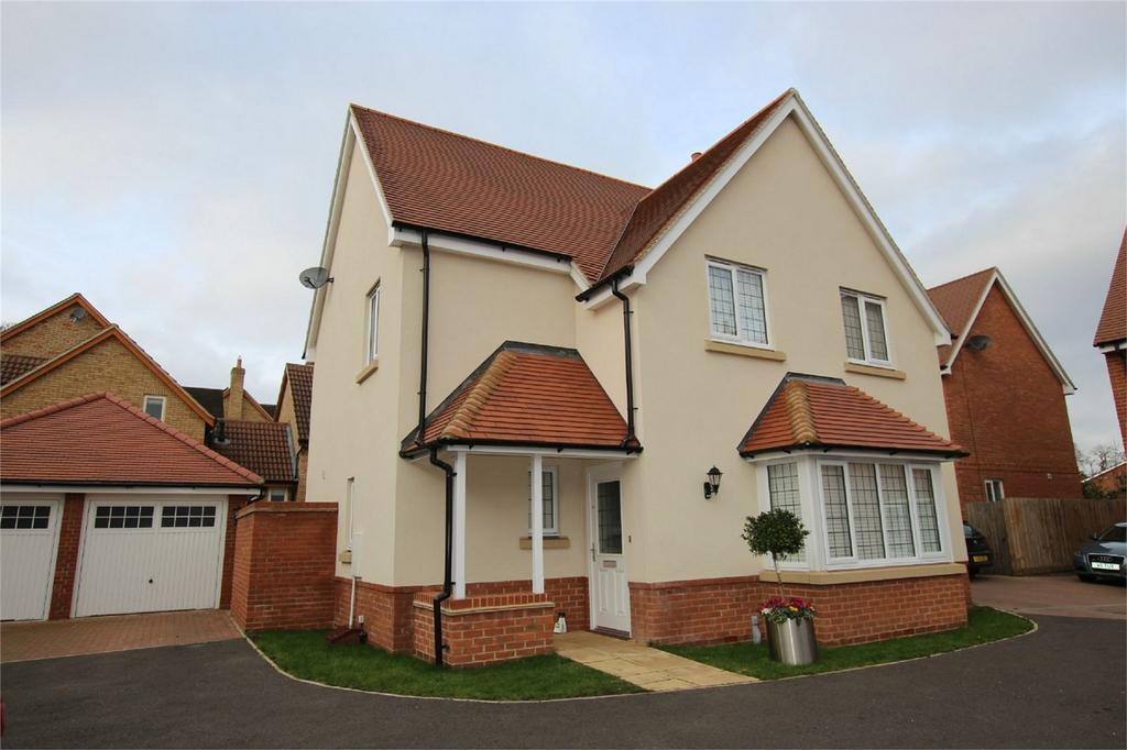 4 Bedrooms Detached House for sale in Yew Tree Close, Potton, Bedfordshire