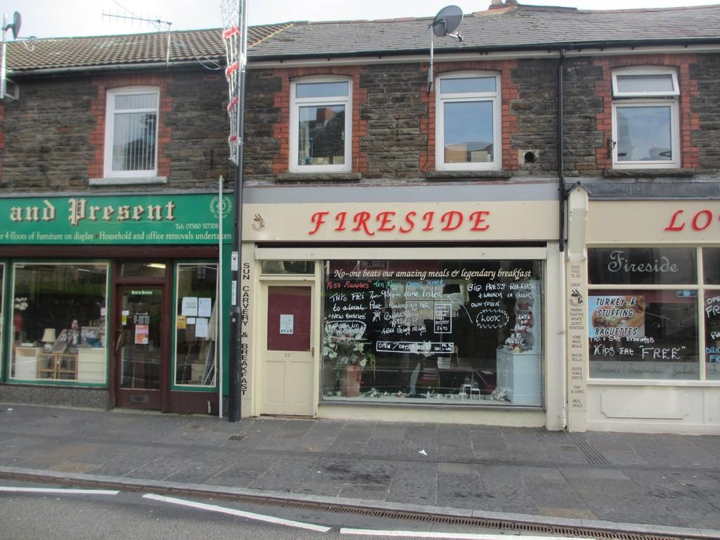 3 Bedrooms Apartment Flat for sale in Fireside Lounge, 23 Hanbury Road, Bargoed