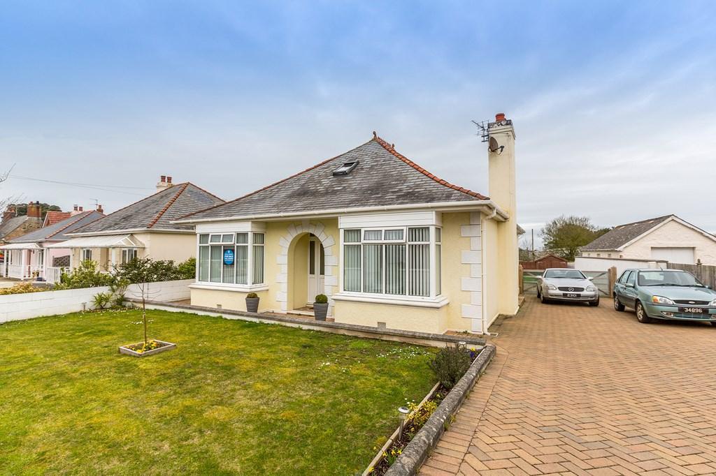 5 Bedrooms Detached House for sale in Rue Des Varendes, Castel, Guernsey