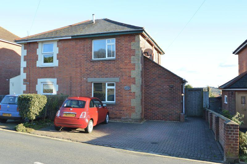 3 Bedrooms Semi Detached House for sale in RYDE OUTSKIRTS