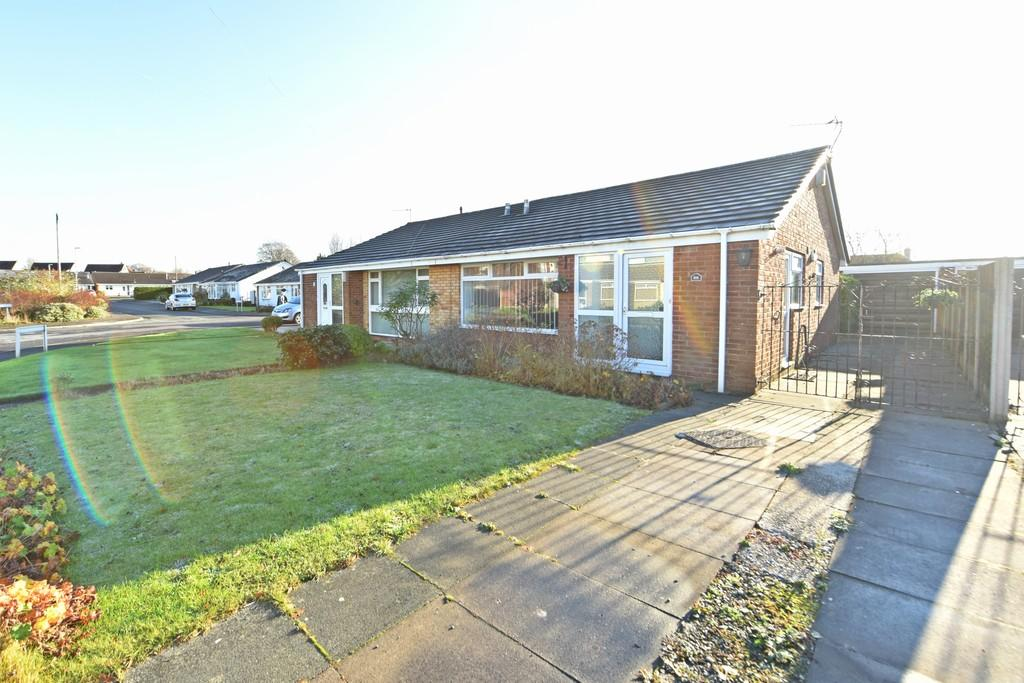 2 Bedrooms Semi Detached Bungalow for sale in Westmeade, Maghull