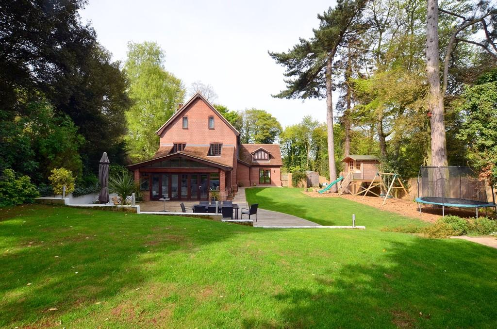 5 Bedrooms Detached House for sale in Wimbledon House, Off Constitution Hill