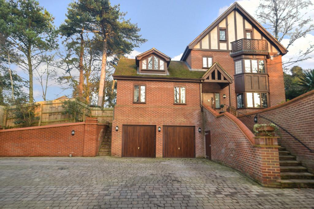 5 Bedrooms Detached House for sale in Wimbledon House off Constitution Hill Ipswich