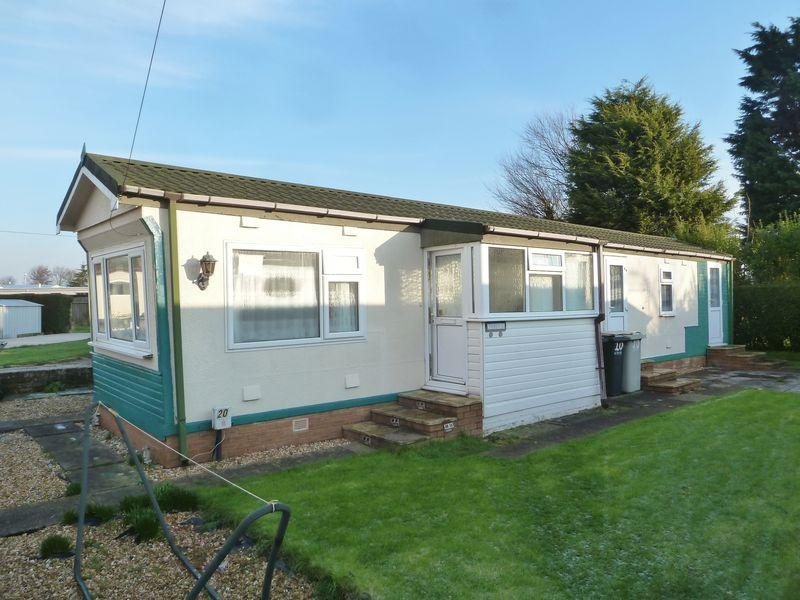 2 Bedrooms Detached Bungalow for sale in Sea Lane, Ingoldmells