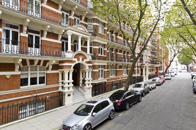 3 Bedrooms Flat for sale in Draycott Avenue, Chelsea SW3