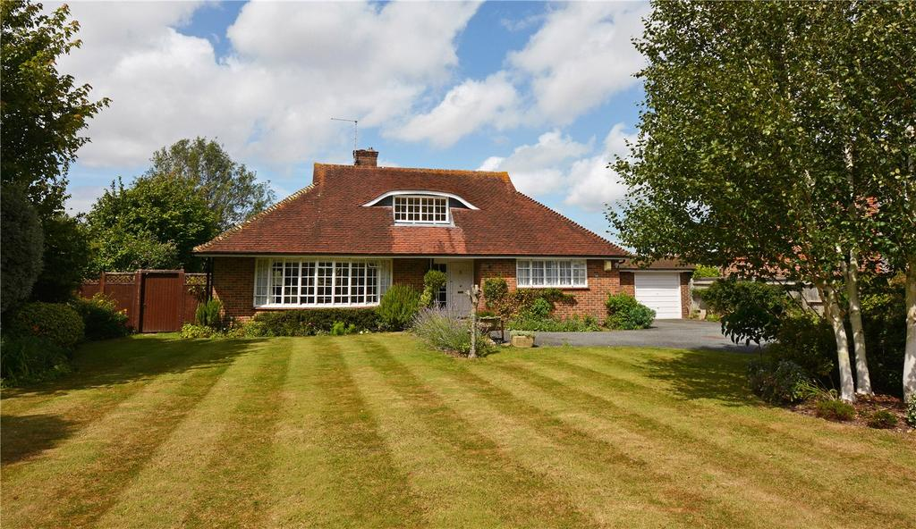 3 Bedrooms Detached Bungalow for sale in Westgate, Chichester, West Sussex