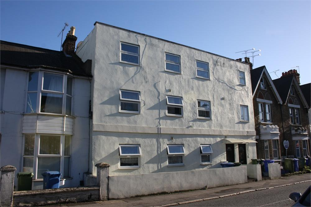 1 Bedroom Flat for sale in Grosvenor Road, Aldershot, Hampshire