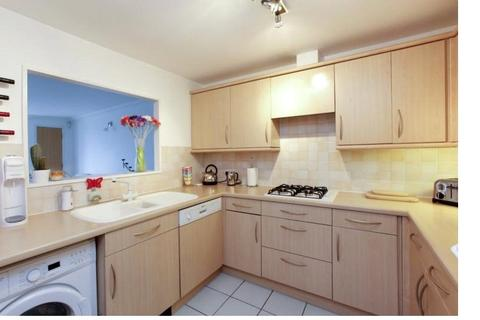 2 bedroom flat to rent - Millennium Drive, London