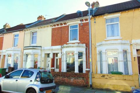 4 bedroom terraced house to rent - Essex Road, Southsea