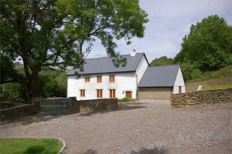 3 Bedrooms Detached House for sale in Tynton Farm, Llangeinor, Bridgend CF32 8NY