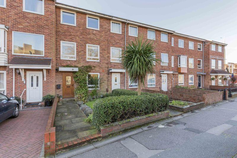 3 Bedrooms Terraced House for sale in St. Georges Road, Old Portsmouth
