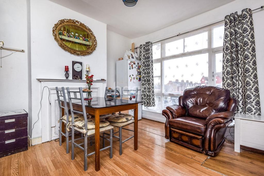 3 Bedrooms Flat for sale in Mitcham Lane