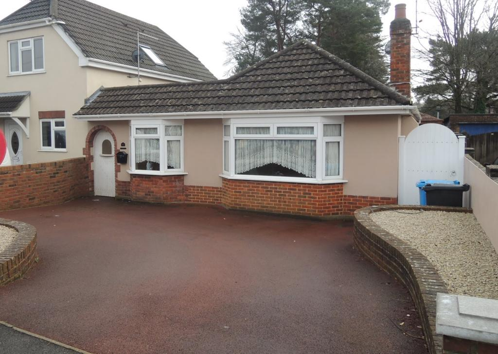 2 Bedrooms Detached Bungalow for sale in Guest Avenue, Branksome, Poole BH12