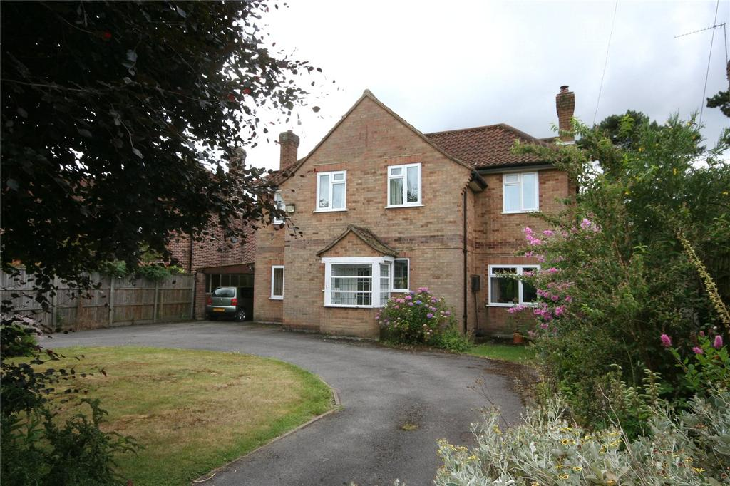 4 Bedrooms Detached House for sale in Clevehurst Close, Stoke Poges, Buckinghamshire