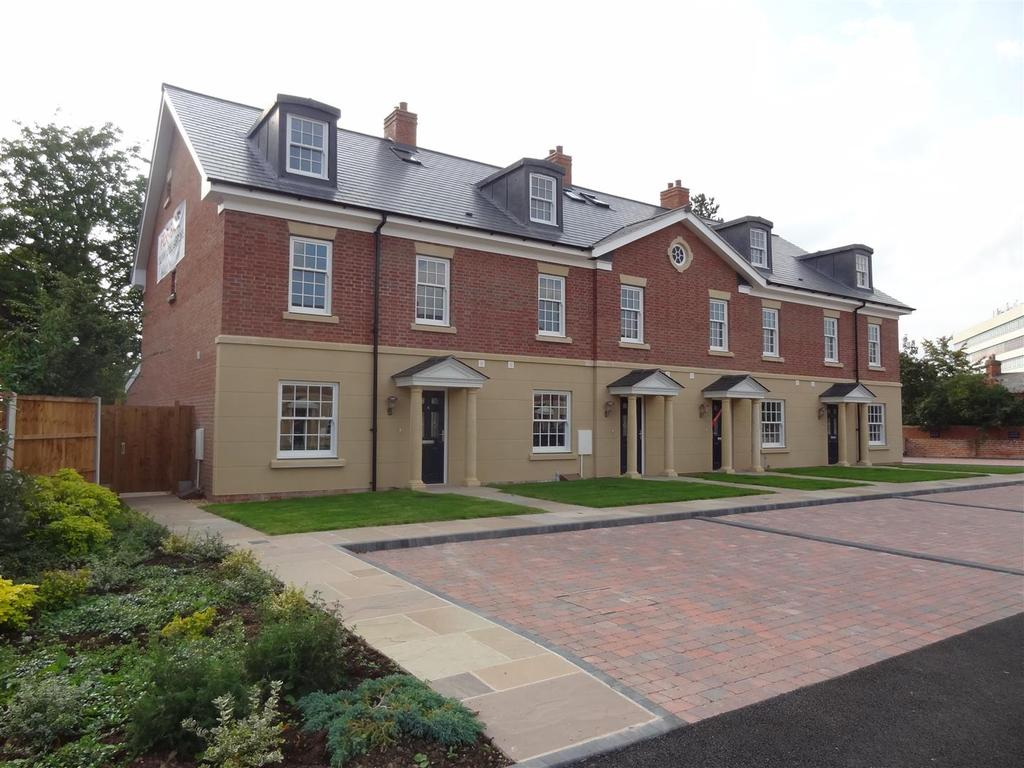 4 Bedrooms Town House for sale in 2 Column House Gardens, Off Preston Street, Shrewsbury