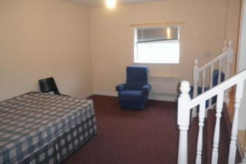 Studio to rent - Flat 3, 2 West Luton Place, Adamsdown, Cardiff, CF24