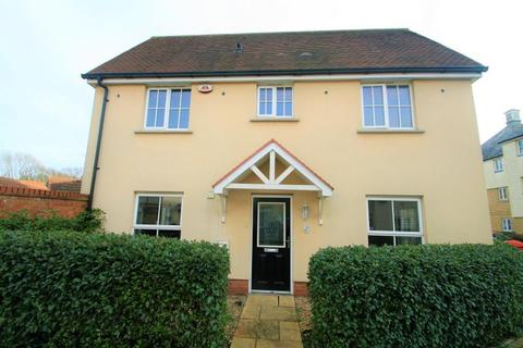 3 bedroom semi-detached house to rent - Weetmans Drive, Colchester, CO4