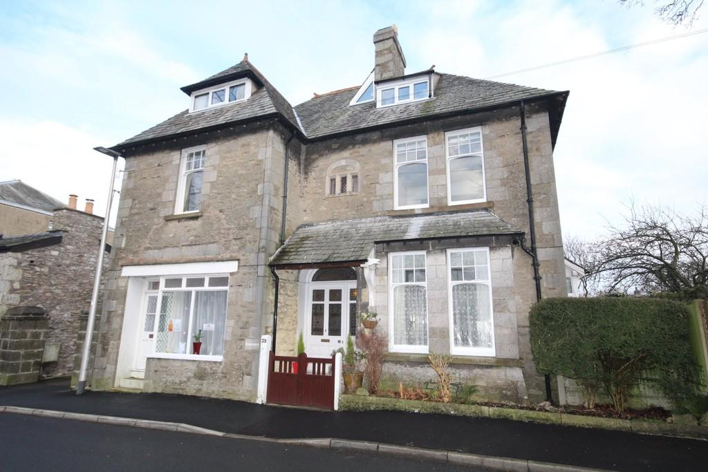 6 Bedrooms Link Detached House for sale in 39 Silverdale Road, Arnside