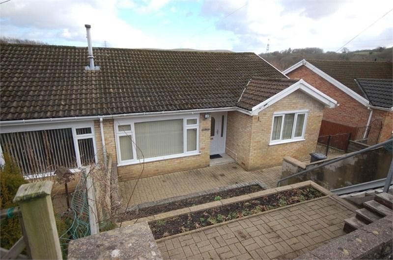 3 Bedrooms Bungalow for sale in 7 Brookfield Estate, Ynysybwl, Pontypridd, CF37 3HD