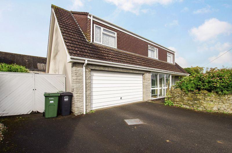 4 Bedrooms Detached House for sale in Moor Lane, Hutton