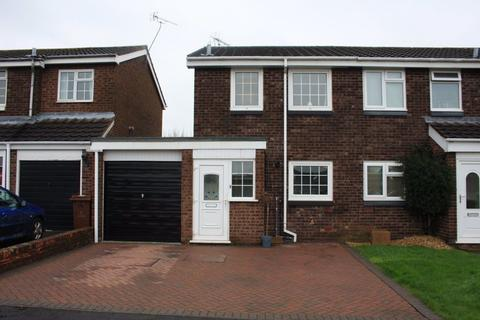 2 bedroom semi-detached house to rent - Knightley Close, Gnosall, Staffordshire, ST20 0HU