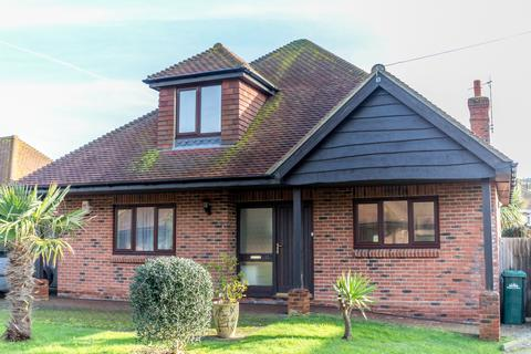 3 bedroom chalet to rent - Looes Barn Close, Saltdean, Brighton BN2