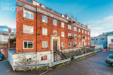2 bedroom apartment to rent - Devonian Court, Park Crescent Place, Brighton, BN2
