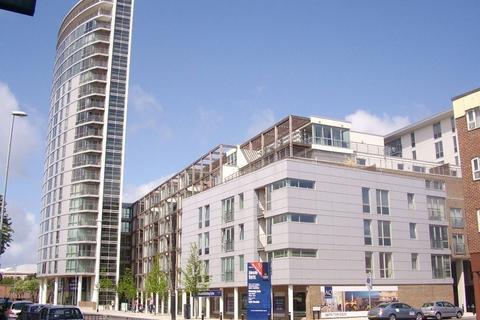 2 bedroom flat to rent - Admiralty Tower, Queen Street
