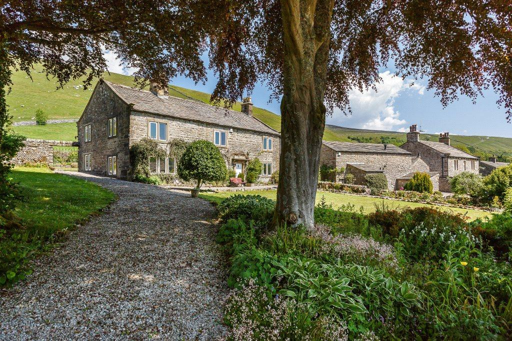 4 Bedrooms Detached House for sale in Croft House and Barn, Litton, Near Grassington, North Yorkshire, BD23