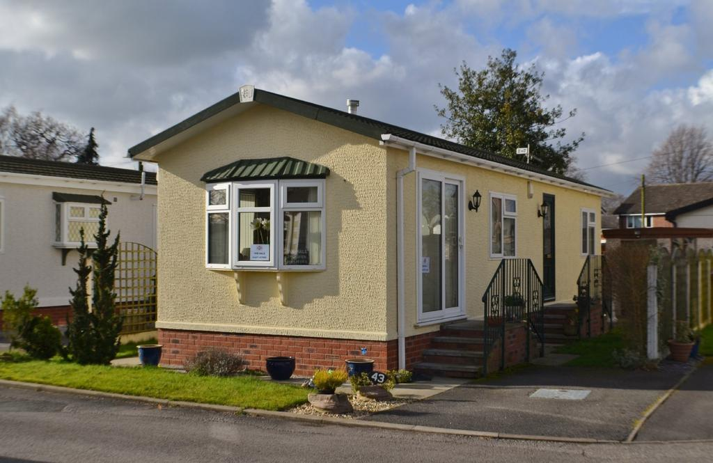 2 Bedrooms Detached Bungalow for sale in The Meadow, Mount Pleasant Residential Park, Main Road, Goostrey