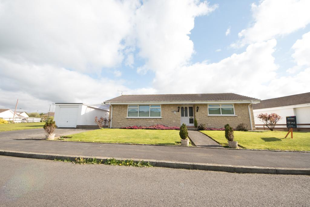 3 Bedrooms Detached Bungalow for sale in Penrhyncoch, Aberystwyth