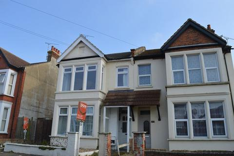 3 bedroom flat to rent - Honiton Road, Southend-On-Sea