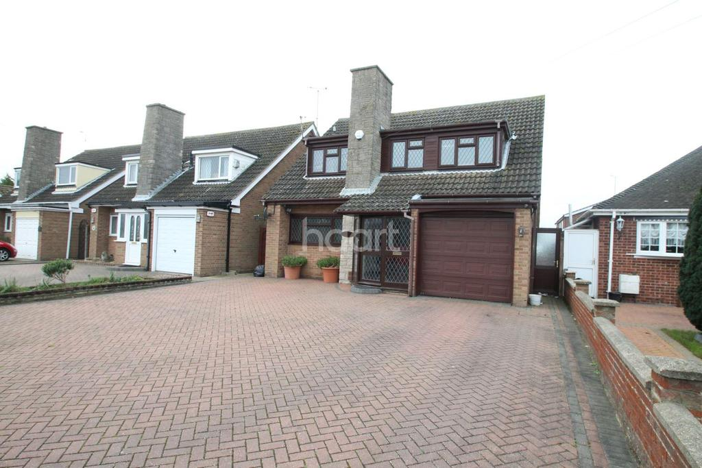 3 Bedrooms Detached House for sale in Jaywick Lane