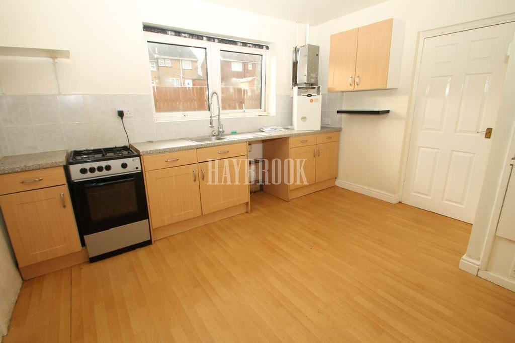 2 Bedrooms Flat for sale in Robinets Road, Wingfield