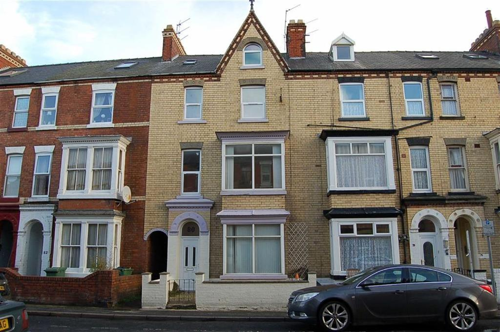 9 Bedrooms Terraced House for sale in Windsor Crescent, Bridlington, East Yorkshire, YO15