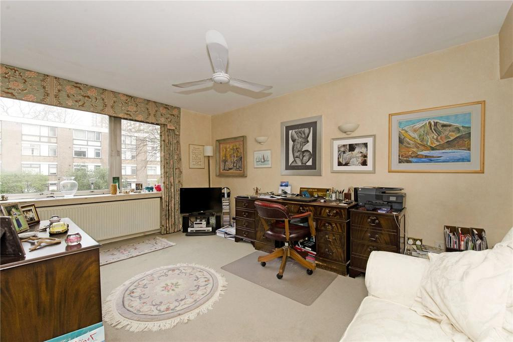1 Bedroom Flat for sale in Coniston Court, Kendal Street, London