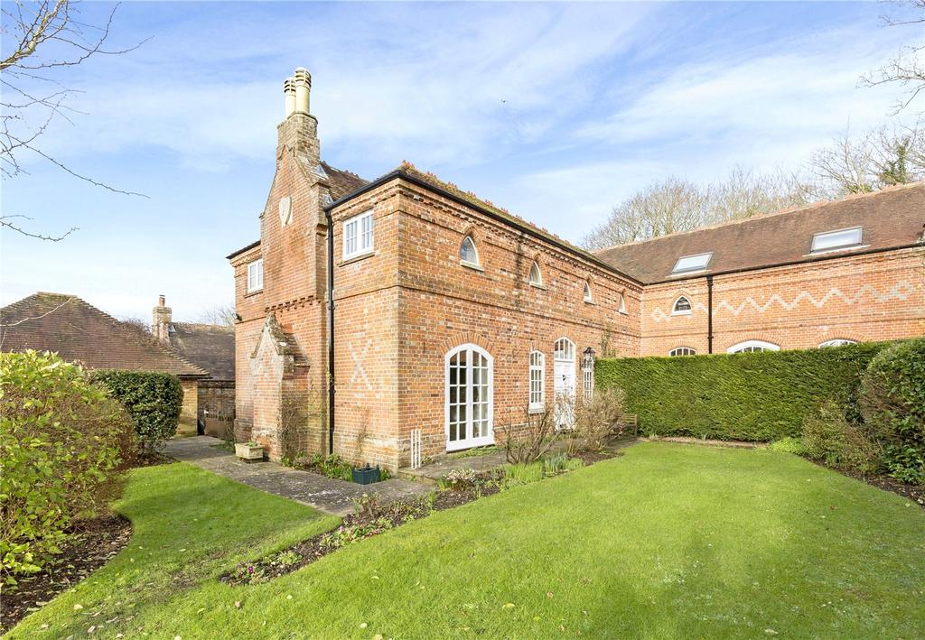4 Bedrooms Semi Detached House for sale in Woodend, Downs Road, West Stoke, Chichester