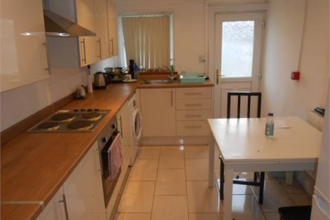 4 bedroom house share to rent - Oystermouth Road, Swansea, SA1 3RW