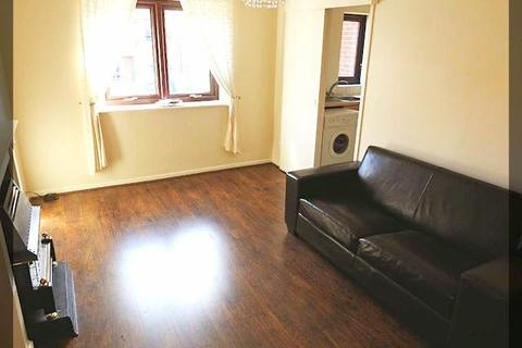 1 bedroom flat to rent - Trinity Court, Fish Street, Hull, HU1 2NB