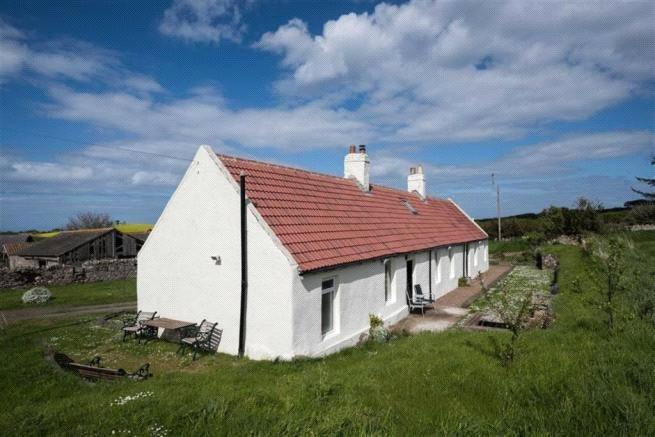 2 Bedrooms Unique Property for sale in Eyemouth, Berwickshire, TD14