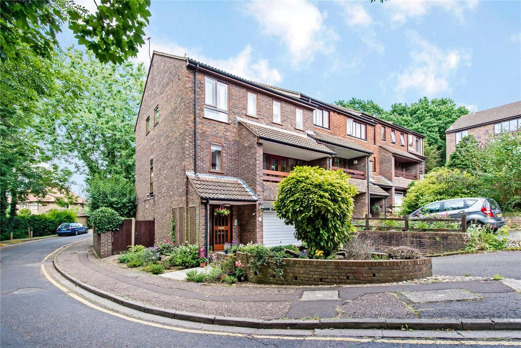4 Bedrooms End Of Terrace House for sale in Ashbourne Square, Northwood, Middlesex, HA6