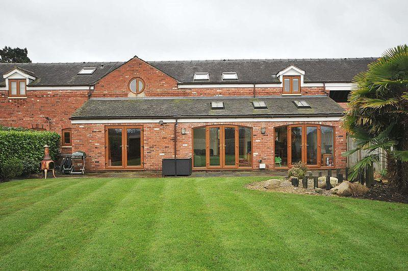 4 Bedrooms Barn Conversion Character Property for sale in Brereton, Nr Holmes Chapel