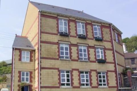2 bedroom apartment to rent - 2 Zoar Court, High Street, Llantrisant, CF72 8SR