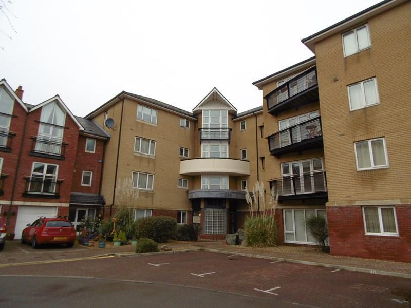 2 Bedrooms Apartment Flat for sale in Adventurers Quay, Cardiff