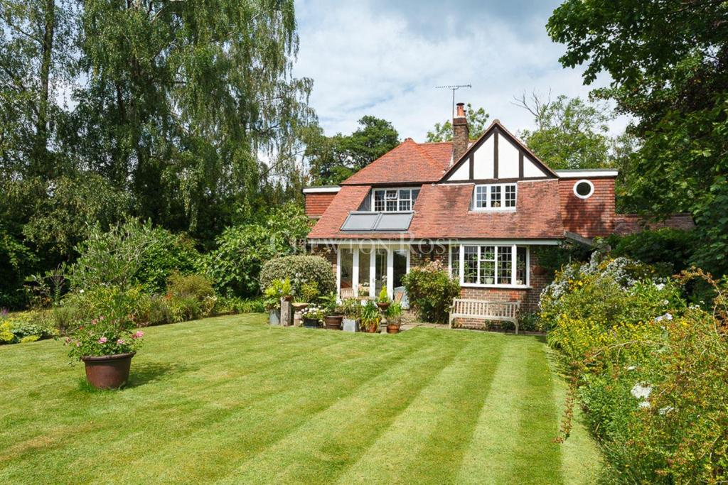 3 Bedrooms Detached House for sale in Burgh Hill, Etchingham, East Sussex, TN19
