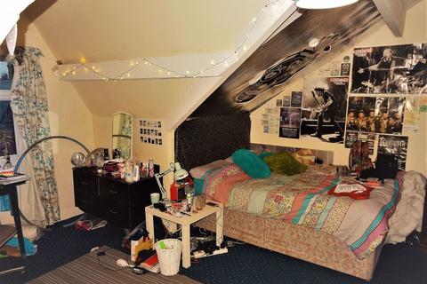 8 bedroom house to rent - Hyde Park, Leeds