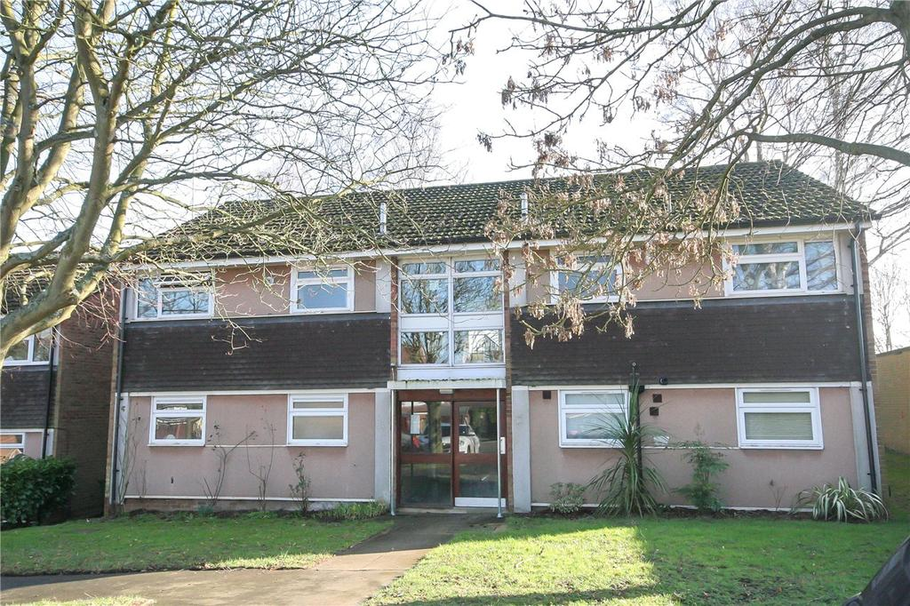 2 Bedrooms Flat for sale in Beeching Close, Harpenden, Hertfordshire