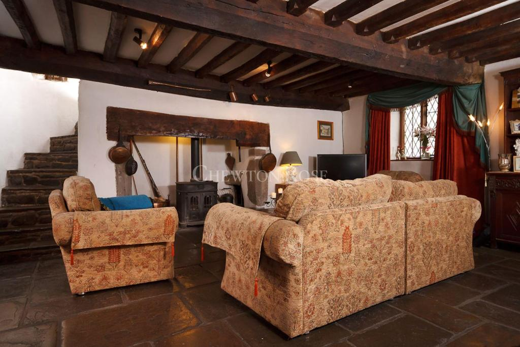 3 Bedrooms Terraced House for sale in Caerleon, Newport