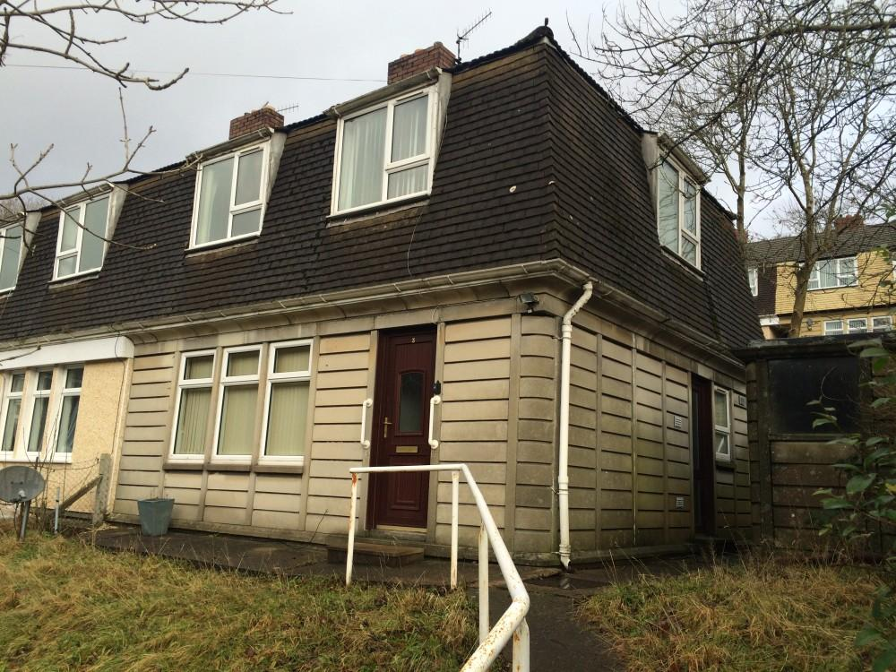3 Bedrooms Semi Detached House for sale in Brace Avenue, Abertillery, Gwent